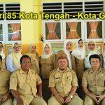 HGN 2016, SDN 85 Gorontalo Bagi-bagi Sembako ke Siswa Kurang Mampu