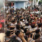 Sambil Bawa Parang, Massa di Manado Usir Fahri Hamzah