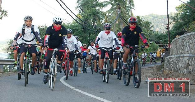 Fun Bike Warnai Festival Kirab Nusantara 2017 di Gorontalo