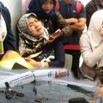Basarnas Temukan Puing Lion Air JT610, Keluarga Korban Penuhi Bandara