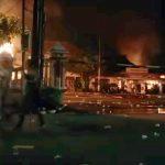 Sekelompok Massa Merusak dan Membakar Polsek Ciracas