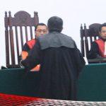 Jaksa Tuntut Bupati Darwis 1 Bulan Penjara dengan 3 Bulan Percobaan