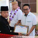 Undangkan Perda P4GN, Ketua DPRD Bonebol Terima Penghargaan