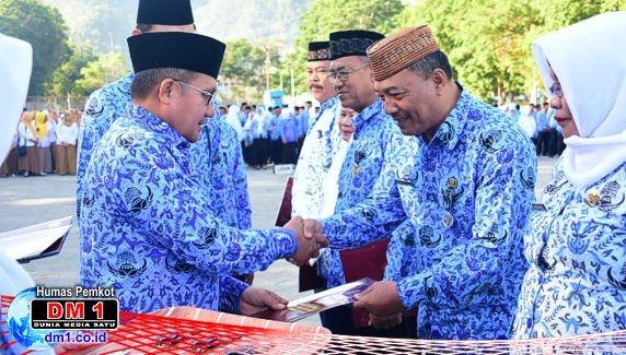 126 ASN Kota Gorontalo Terima Penghargaan Satya Lencana Karya Satya