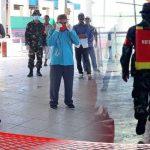Desak Pemprov Berlakukan Lockdown, Kabila Bone Lakukan Penyemprotan Corona