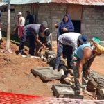 """Akibat Corona, Pekerja Rabat Beton di Desa Bulontala Timur Mendadak """"Bermunculan"""""""
