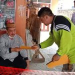"Sampaikan Aspirasi Rakyat, Kades Poduwoma ""Todong"" Ketua DPRD Bone Bolango"
