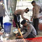 "Wali Kota Gorontalo ""Jadi Koki"" di Dapur Umum, Kapolres: Kami Siap Antarkan Makanan"