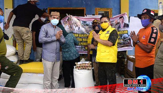 Peduli Korban Banjir Bandang Bulawa, Wali Kota Gorontalo Serahkan 2,5 Ton Beras