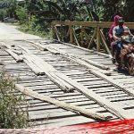 Pemda Diminta Jangan Pura-pura tak Tahu dengan Kondisi Jembatan Kayu di Wonuambuteo