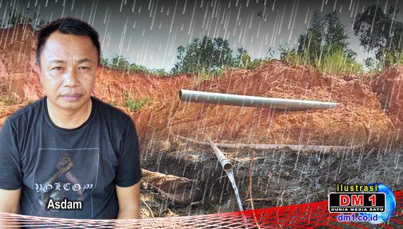 "Dekati Tutup Tahun, Proyek Air Bersih Belum Selesai: Plt Kades Woiha ""Salahkan"" Hujan"