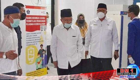 Usai Acara DMI, Jusuf Kalla Buru-buru Temui Ishak Liputo di Markas PMI Provinsi Gorontalo