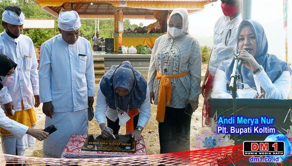 Resmikan Pura, Plt Bupati Koltim Minta DPRD Prioritaskan Akses Jalan Desa Tasahea