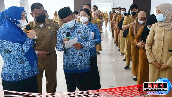 Plt Bupati Koltim Gelar Sidak Hari Pertama Berkantor, Total 222 Pegawai yang Absen